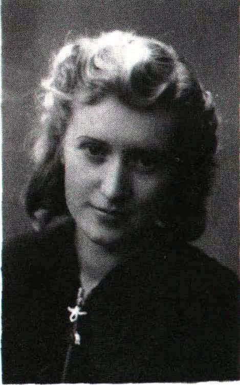 Ciotka Leokadia Wawszczyk. Zmarła w 1943 r. mając 19 lat.