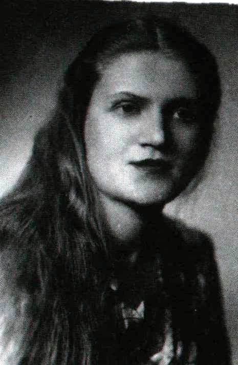 Autorka - Natalia Wawszczyk w latach 50-tych.